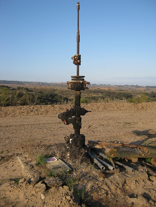 Idle Well, Cat Canyon Oil Field, Santa Barbara County